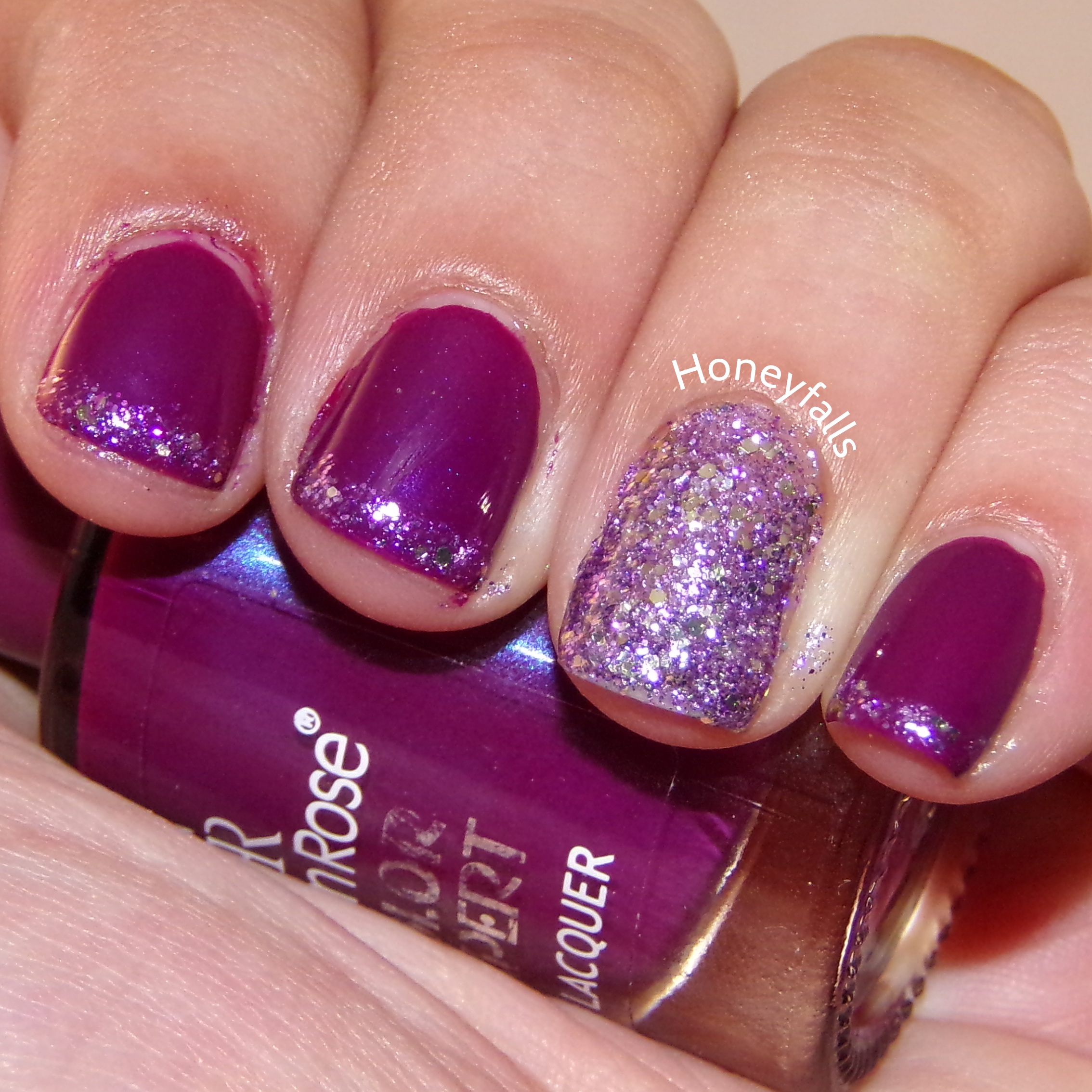 Im Wearing Two Polishes By Golden Rose Here Color Expert 28 They Only Have Numbers No Names As My Main Mani And Jolly Jewels
